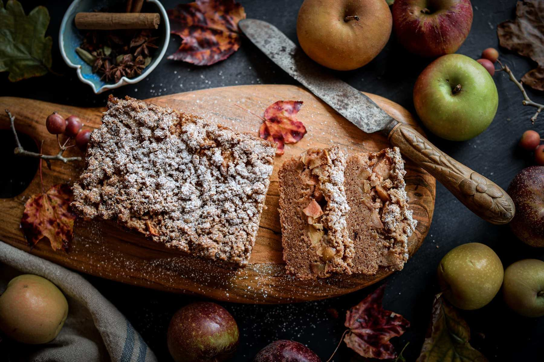 Fare Isle | Vegan Apple Crumb Cake