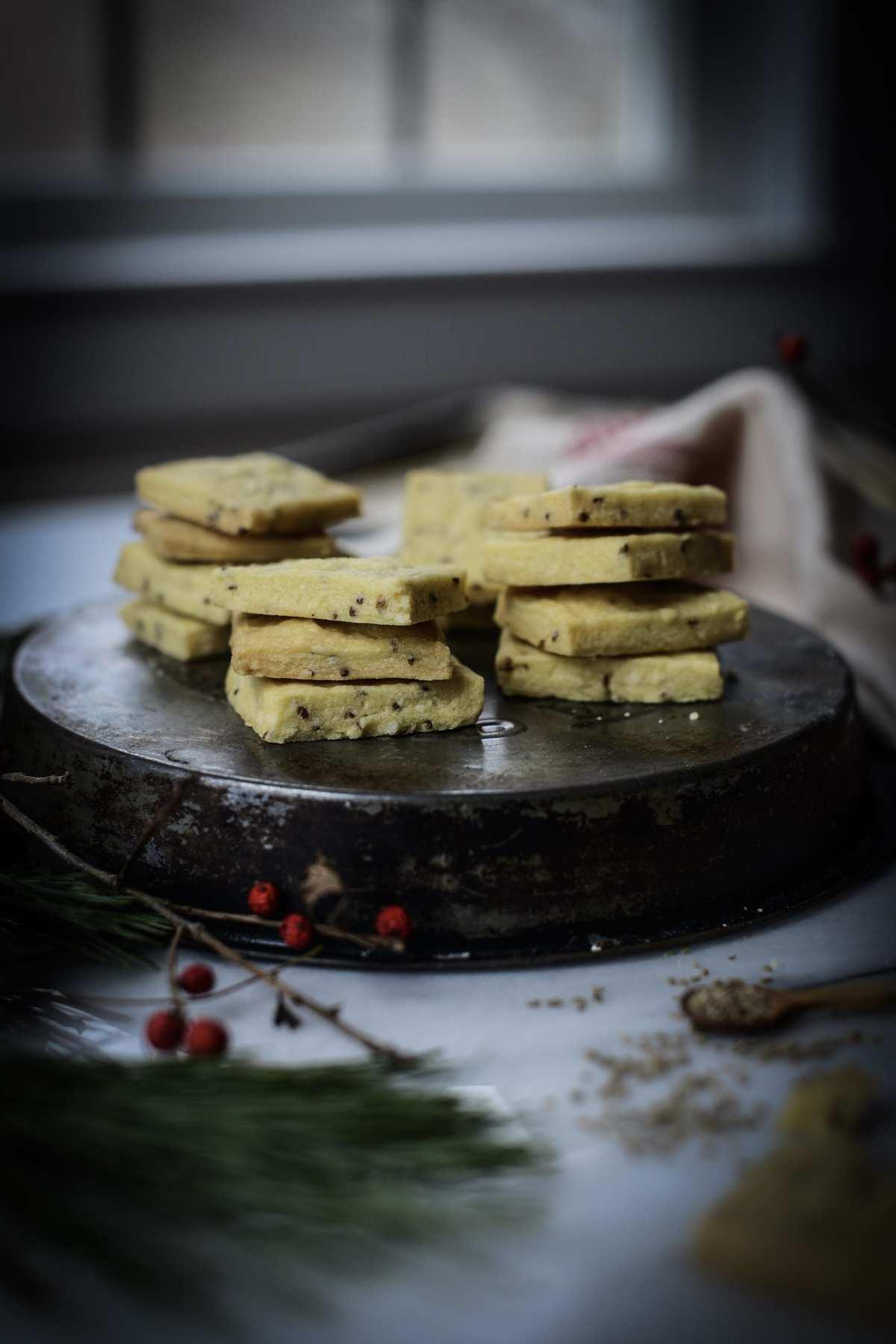 Vegan Anise Seed Shortbread Cookies
