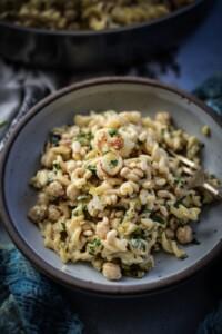 Fare Isle | Vegan Creamy Roasted Caulifower and Leek Pasta