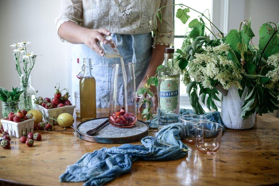 Fare Isle x Prairie Organics Strawberry Elderflower Gin Smash