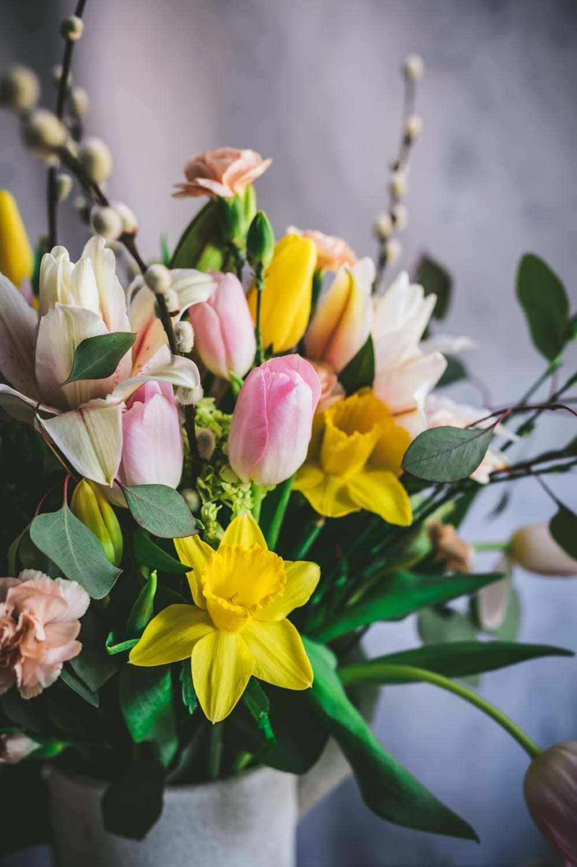 spring bouquet in vase
